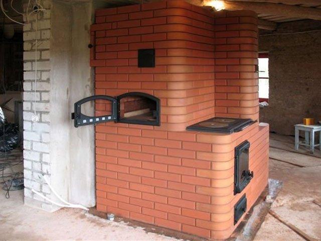 Печка из кирпича в доме 192