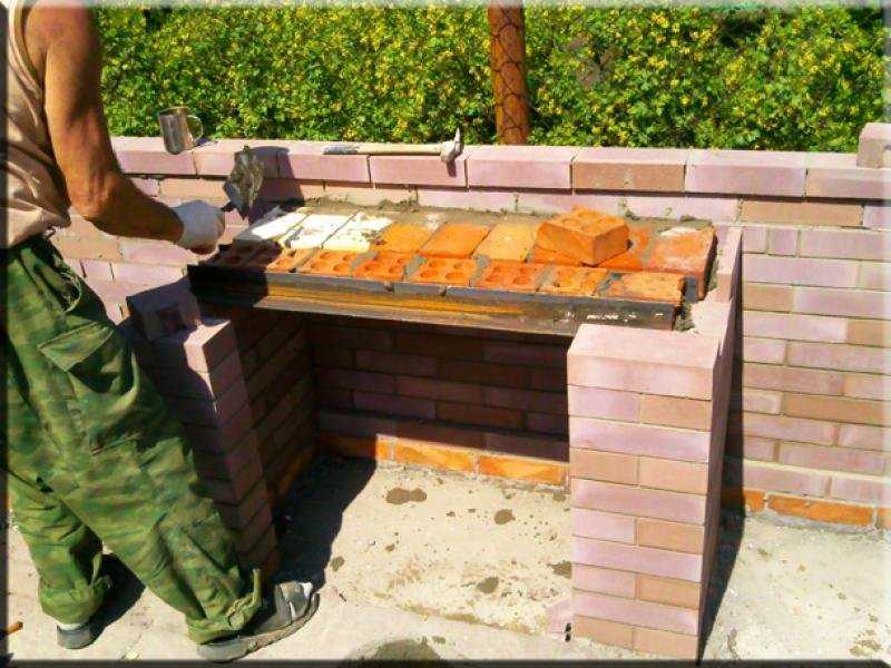 Строить мангал из кирпича своими руками 52